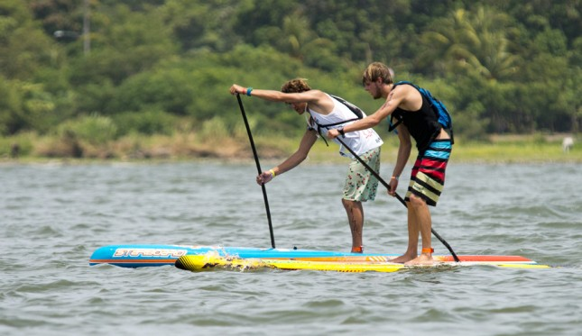 stand-up-paddle-race-645x373